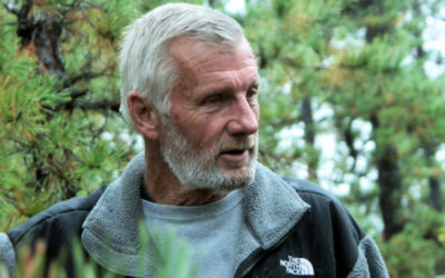 "Q&A With Infamous Naturalist and Author Tom Brown: How We Can All ""Heal the Earth"""